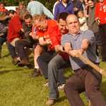 2002. Golden Jubilee. Tug-of-War. From left: Lesley Bonsey, Ros Hawken..Rob Briggs..Colin Brown. Behind, centre, Johnny Pusey.