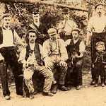 c1901 Lerryn Workers.<BR><BR>Front row: Dave Mutton (postman), Hedley Martin, William Henry Hoskin, Hiram Hoskin
